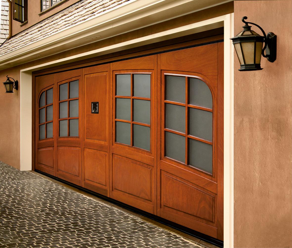 Porte basculanti per garage ferrari stefano c snc for Entrata del mudroom dal garage